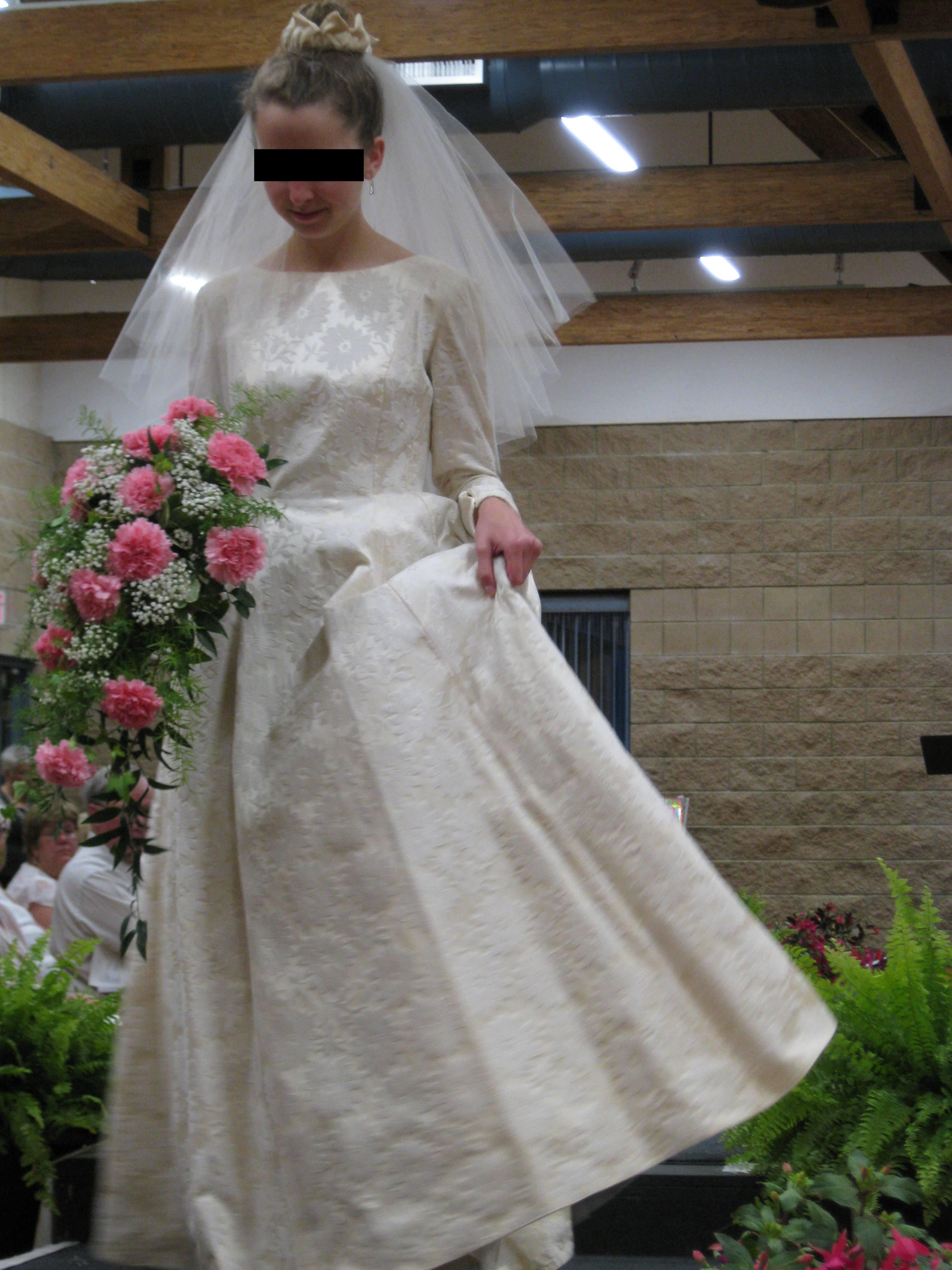 wedding dress fashion | MisstoricalFiction